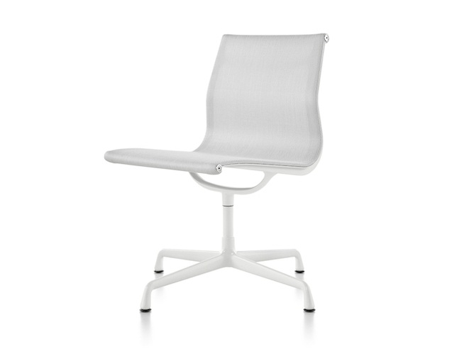 Herman Miller Eames Aluminum Group Side Chair 4本脚タイプ アームレスの写真