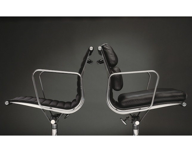 Herman Miller Eames Soft Pad Group Management Chair グライズの写真