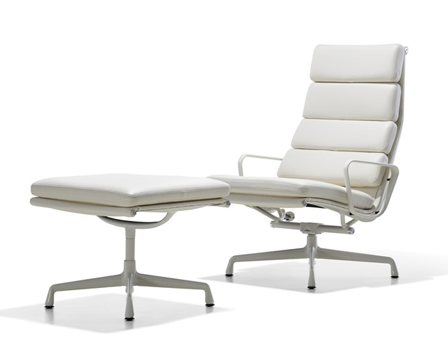 Herman Miller Eames Soft Pad Group Lounge Chair 4クッションの写真