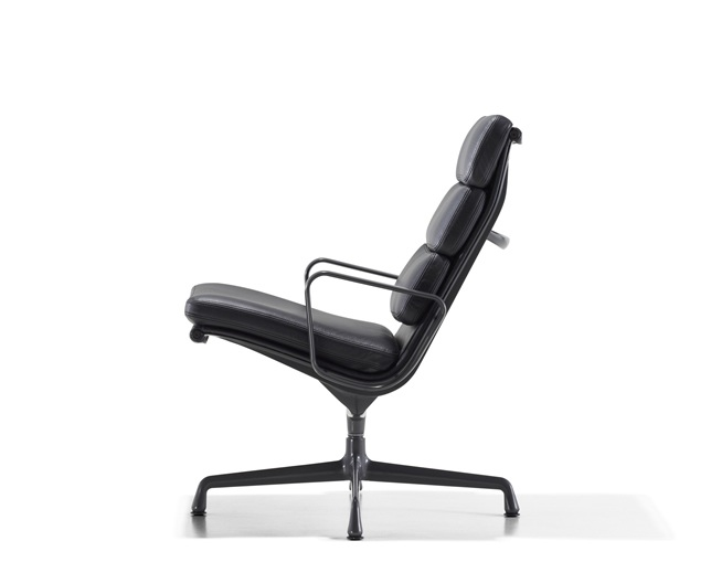 Herman Miller Eames Soft Pad Group Lounge Chair 3クッションの写真