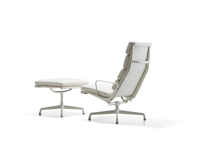 Herman Miller Eames Soft Pad Group Ottomanの写真