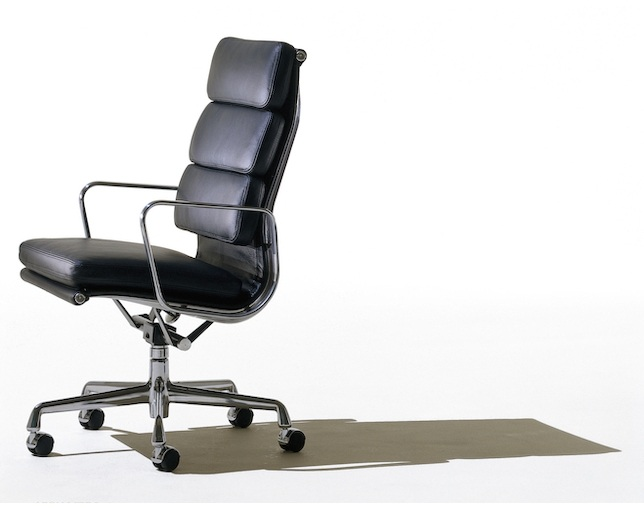 Herman Miller Eames Soft Pad Group Executive Chairの写真