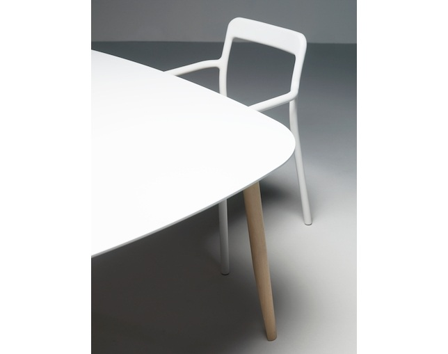 ハーマンミラー(Herman Miller) Mattiazzi Branca Tableのメイン写真