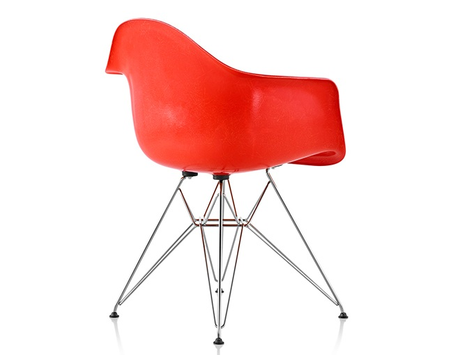 Herman Miller Eames Molded Fiberglass Armchair Wire Baseの写真