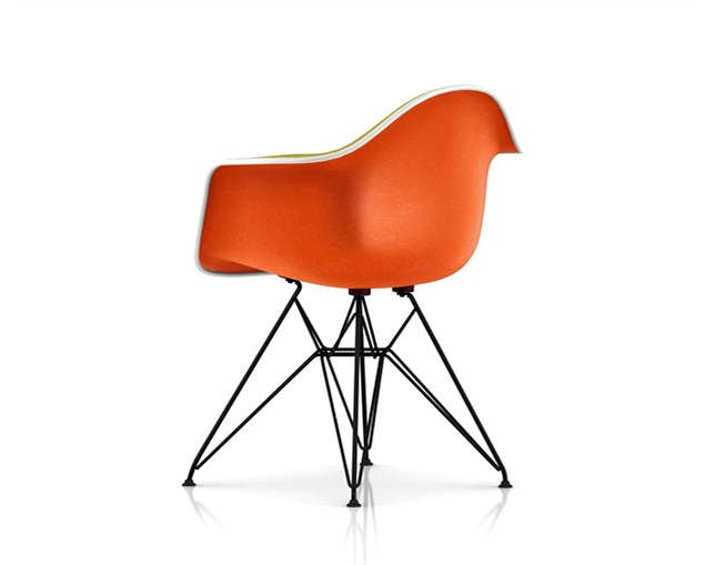 Herman Miller Eames Upholstered Molded Fiberglass Armchair Wire Baseの写真