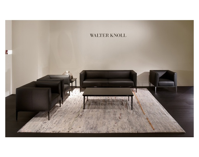 WALTER KNOLL JAAN Tableの写真