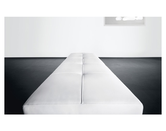 WALTER KNOLL Foster 510 Bench without backrestの写真