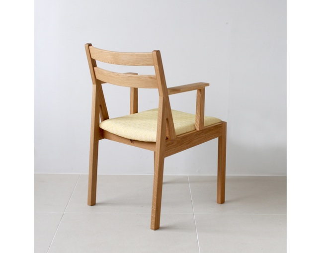 karf Tolime+ Short Arm Chairの写真
