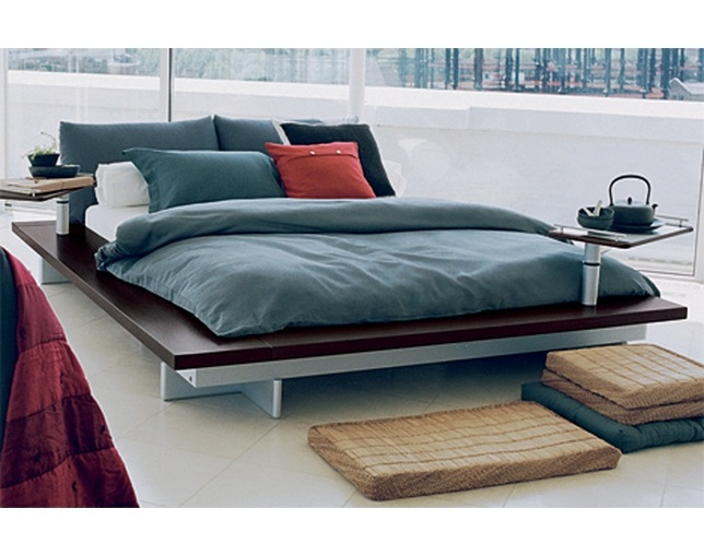 ligne roset PETERMALY BED フレームの写真