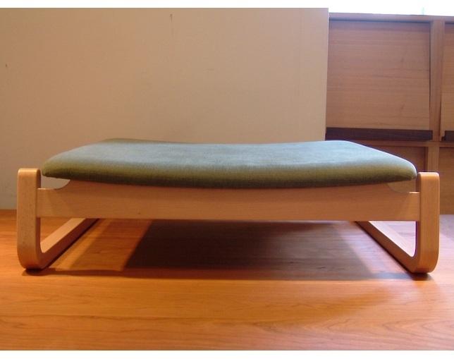 星亀椅子工房(ホシカメイスコウボウ)の座椅子