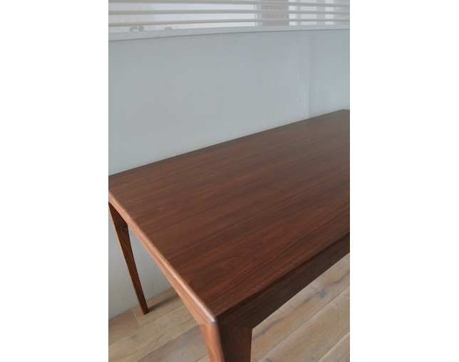 FILE DT-2 Dining Tableの写真