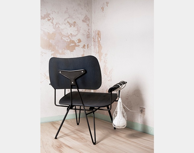DIESEL LIVING Overdyed Lounge Chairのメイン写真