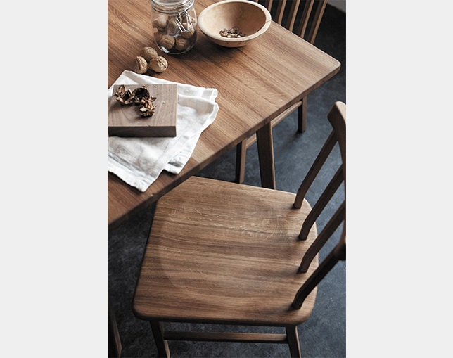 SIEVE merge dining chair 4 backの写真
