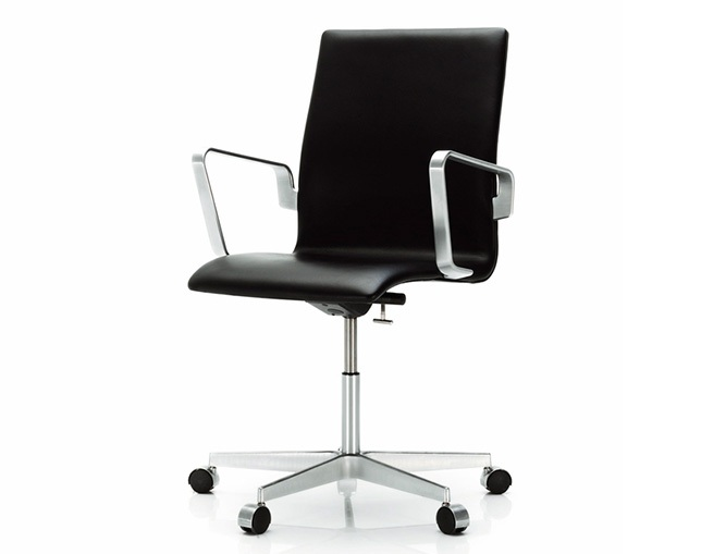 Fritz Hansen OXFORD ARMCHAIR WHEELS(low back、FULLY UPHOLSTERED)の写真