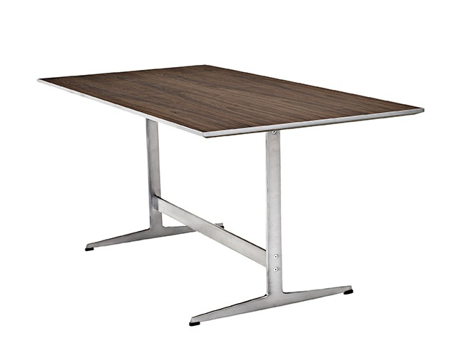 Fritz Hansen TABLE SERIES SHAKER BASE(Rectangular)の写真