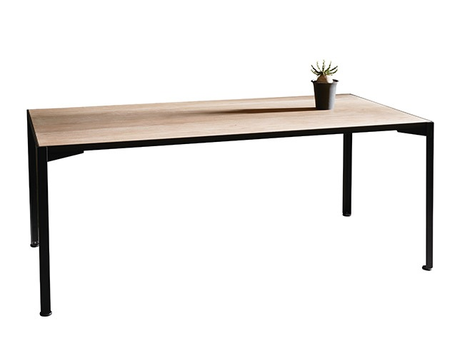 INDUSTRIAL DESIGN CHESTER dining table 180の写真