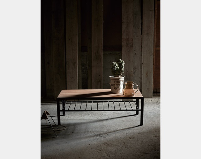 INDUSTRIAL DESIGN CHESTER living table 120の写真