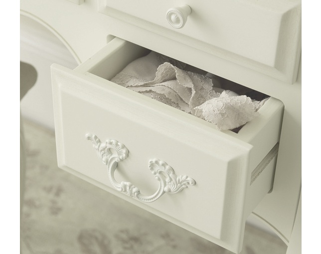 LAURA ASHLEY Provencale 5 drawer dressing tableのメイン写真
