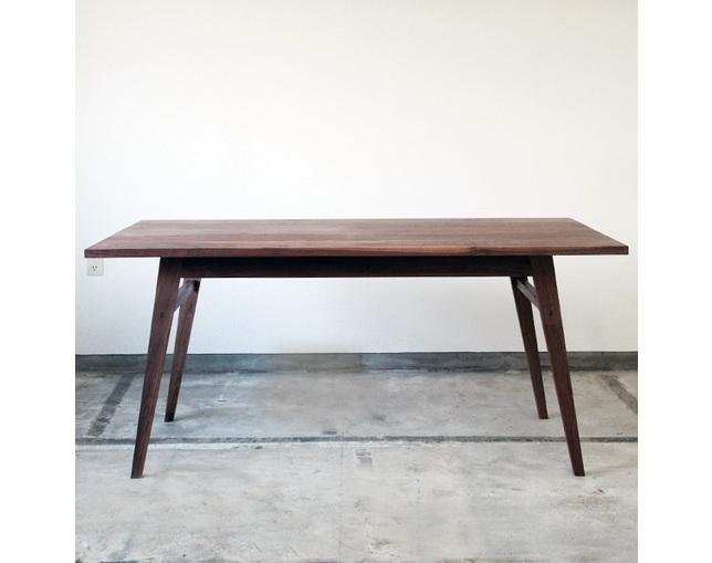 greeniche(グリニッチ)のダイニングテーブル