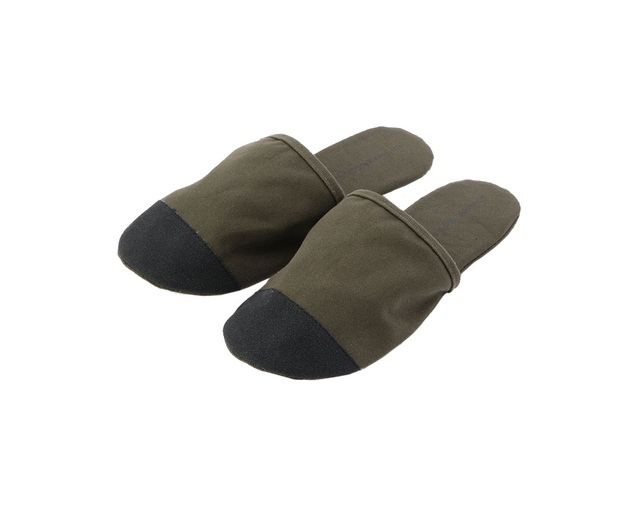 ザ・コンランショップ(THE CONRAN SHOP) CANVAS TRAVEL SLIPPER KHAKIの写真