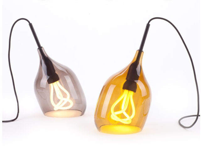 PLUMEN VESSEL TABLEの写真