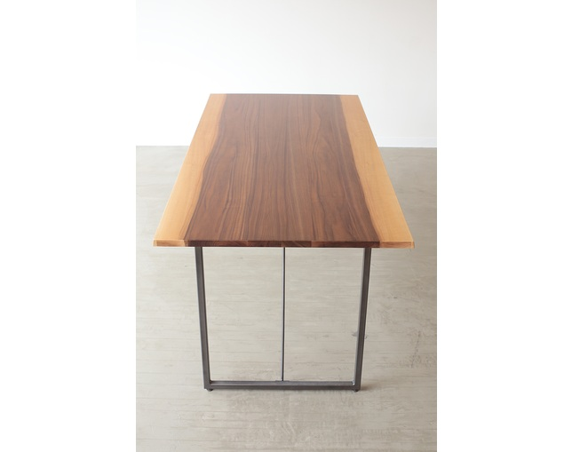 NOWHERE LIKE HOME(ノーウェアライクホーム)のダイニングテーブル